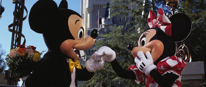 Mickey and Minnie's All New Date Ideas for the Month of Love in 2016