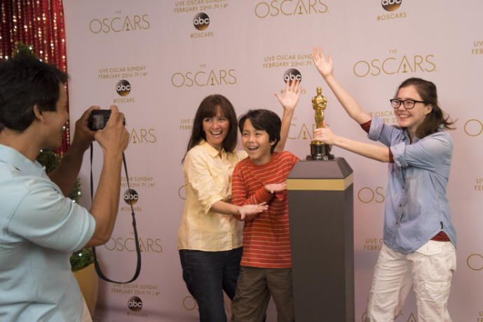 "In an awards season first, an Oscar® statuette takes center stage in ""My Oscar Moment"" at Disney's Hollywood Studios the week leading up to The Oscars®. From Feb.16 to 22, Walt Disney World Resort guests can have a once-in-a-lifetime opportunity to pose for a photo with the Oscar® statuette inside The Magic of Disney Animation building.  The exclusive photo opportunity is part of festivities prior to The 87th Oscars®, hosted by Neil Patrick Harris, live on the ABC Television Network on Sunday, Feb. 22 at 7p.m. ET/4 p.m. PT.  (David Roark, photographer)"